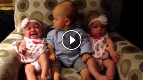 Top 10 Facebook Funny Videos and Accounts - Meeting the Twins